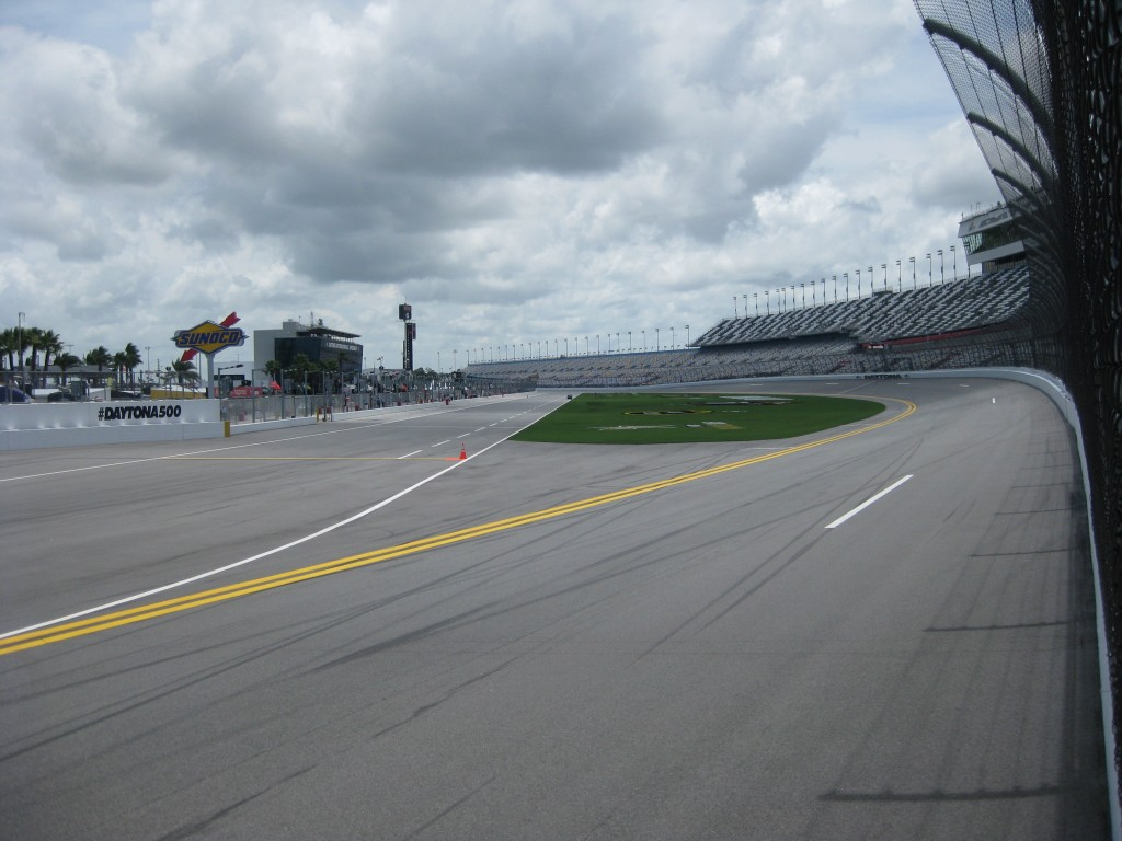 daytona-circuit-stands