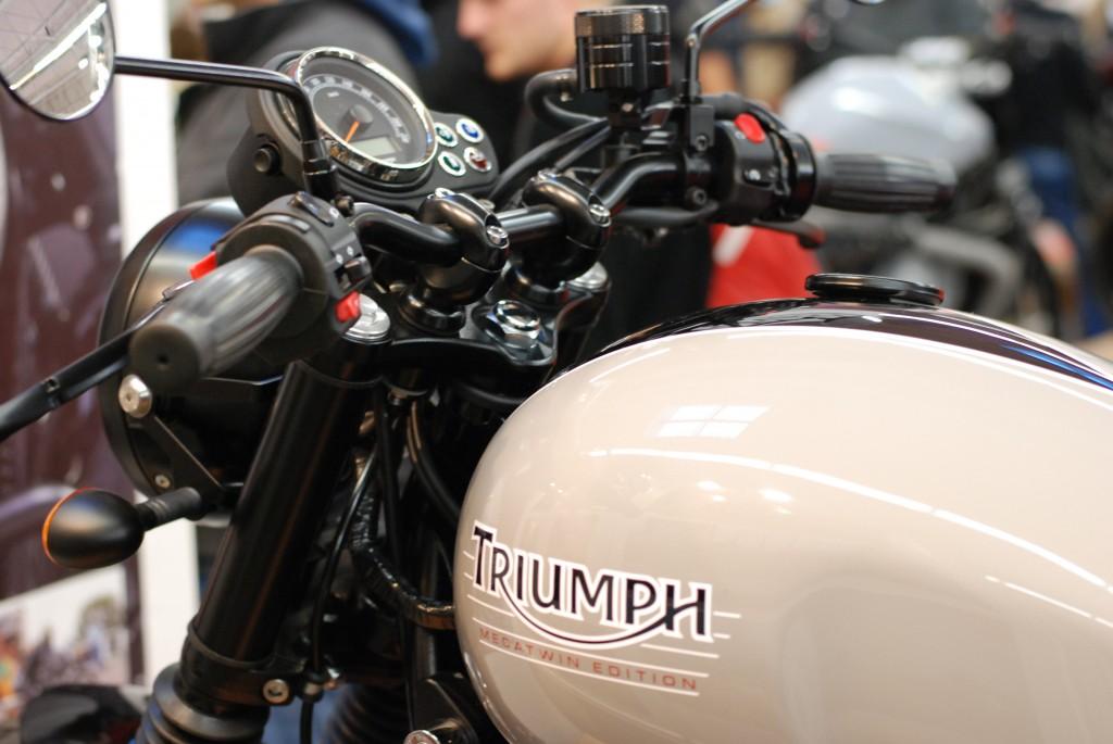 cafe racer triumph