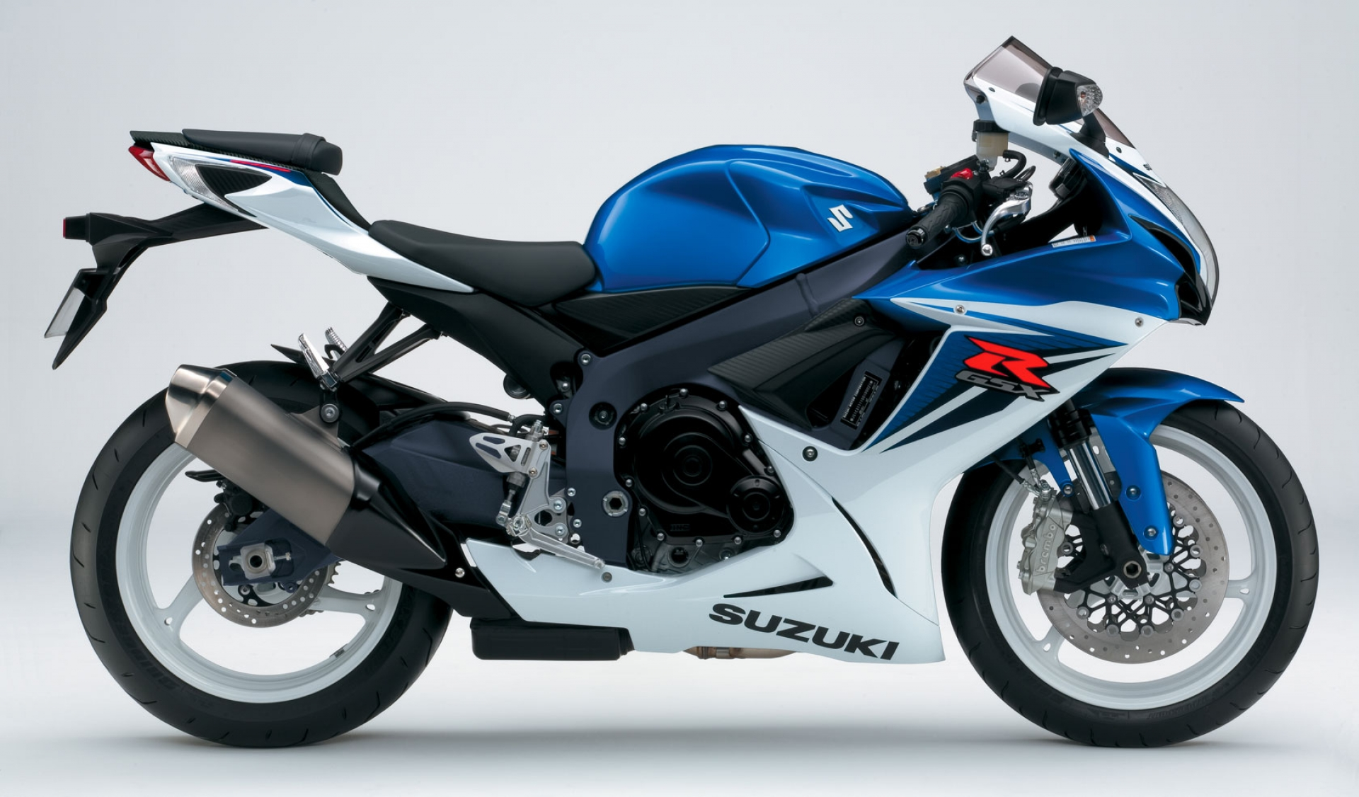suzuki gsx r 600 fiche technique avis et prix la poign e dans l 39 angle. Black Bedroom Furniture Sets. Home Design Ideas