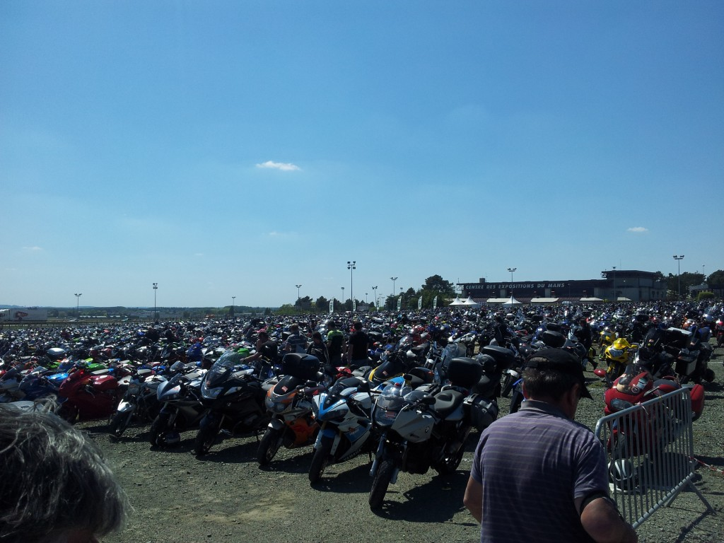 parking motogp le mans