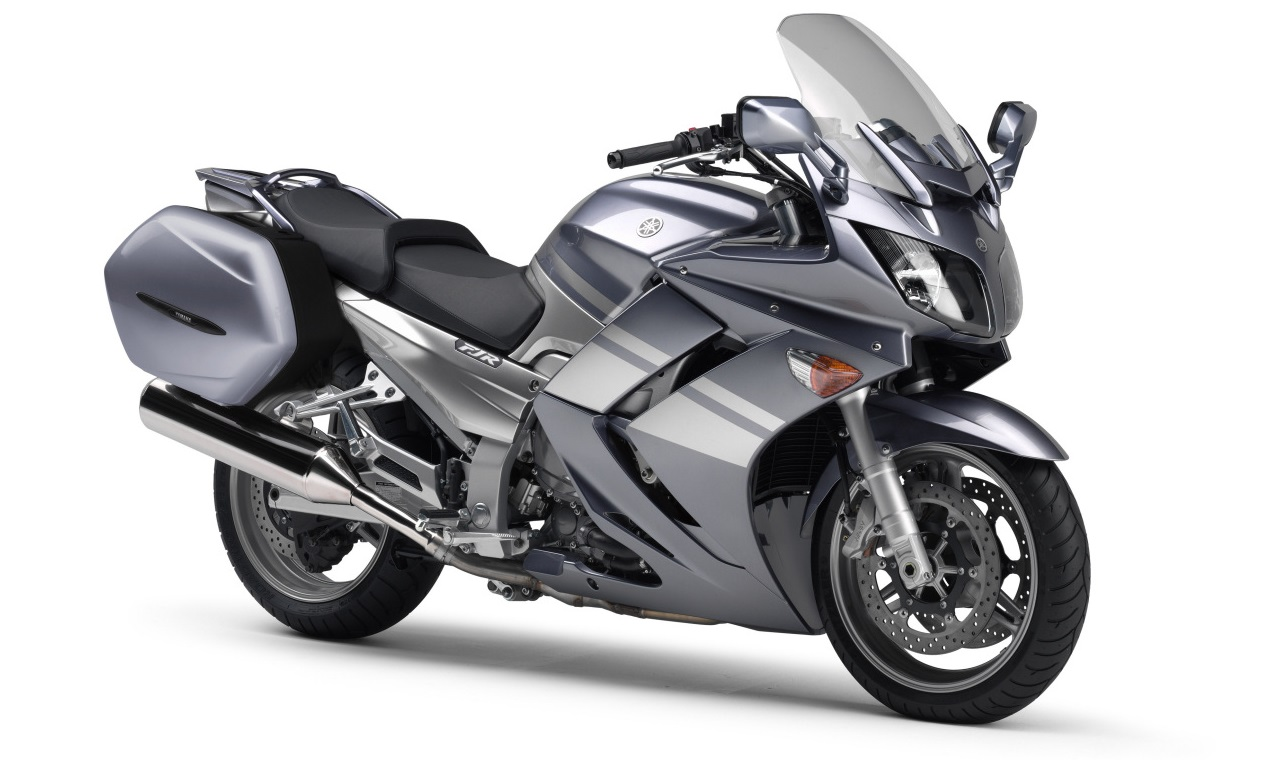 yamaha fjr 1300 fiche technique avis et prix la poign e dans l 39 angle. Black Bedroom Furniture Sets. Home Design Ideas