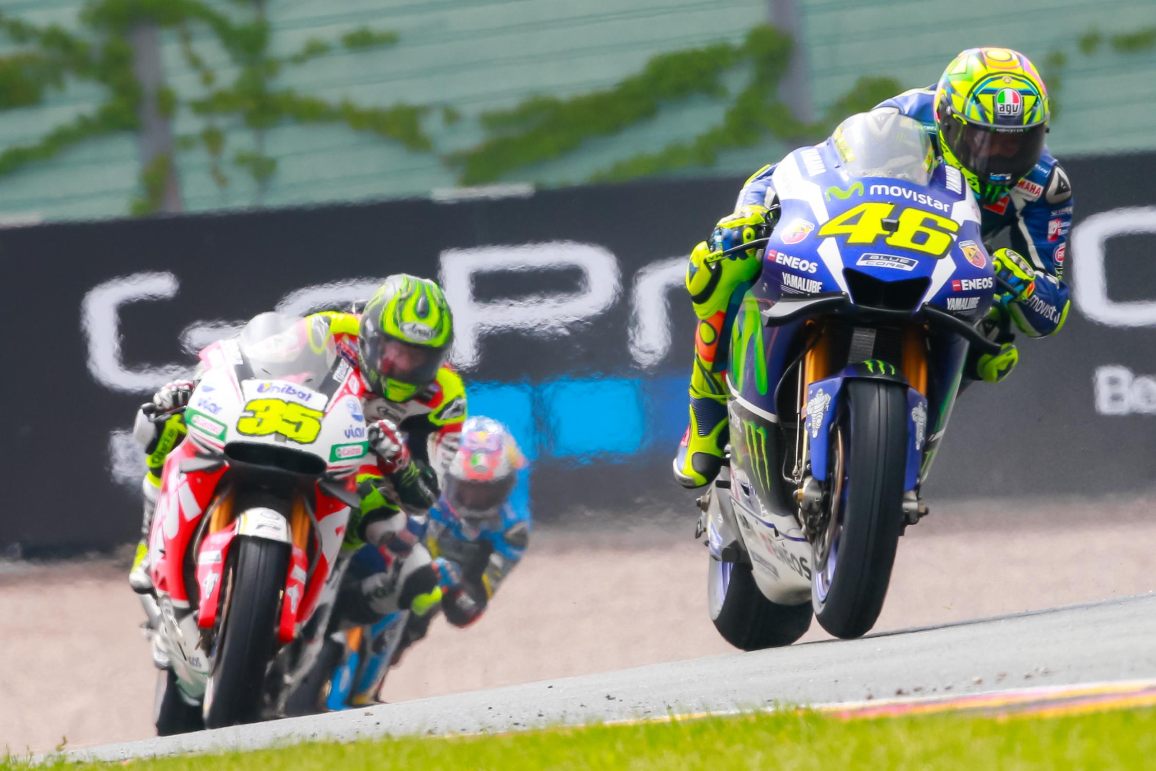 cal crutchlow valentino rossi